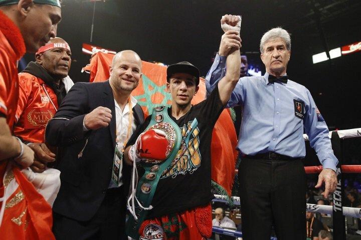 BOXE - Nordine OUBAALI surclasse VILLANUEVA et garde sa ceinture mondiale WBC